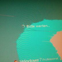 Boot up of Windows 7 with a Roasted Gainward GeForce GTX570 Phantom