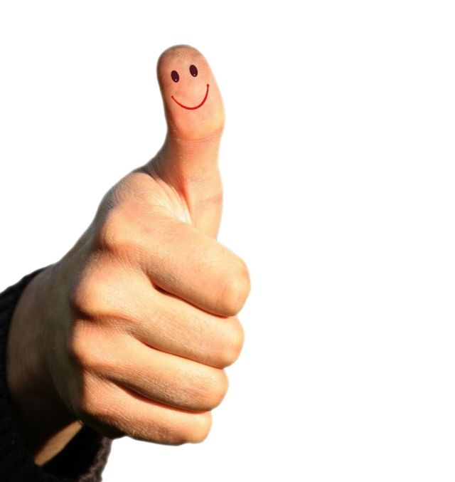 Smile on the thumb