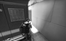 counter-strike-global-offensive-screenshot-in-black-and-white