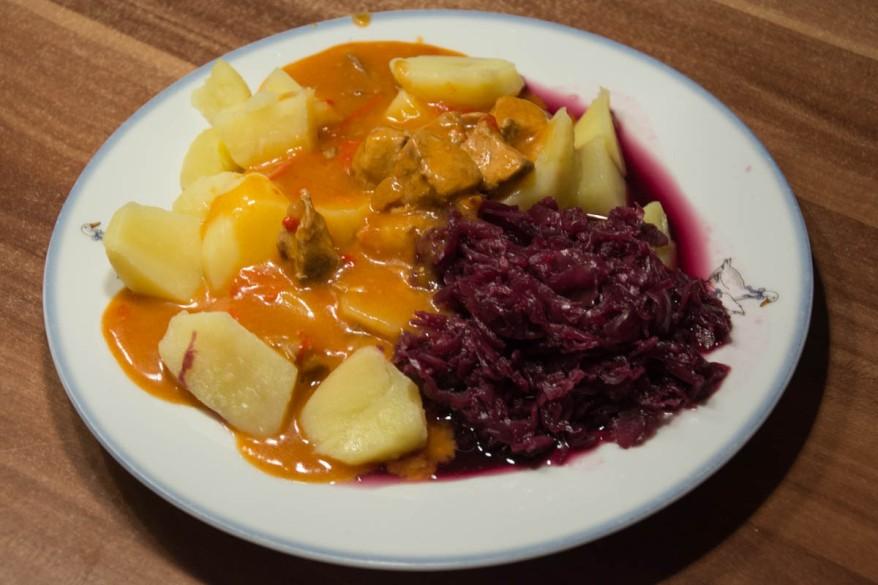 goulash-dish