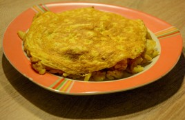 roast-potatoes-with-omelette