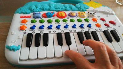 toy keyboard